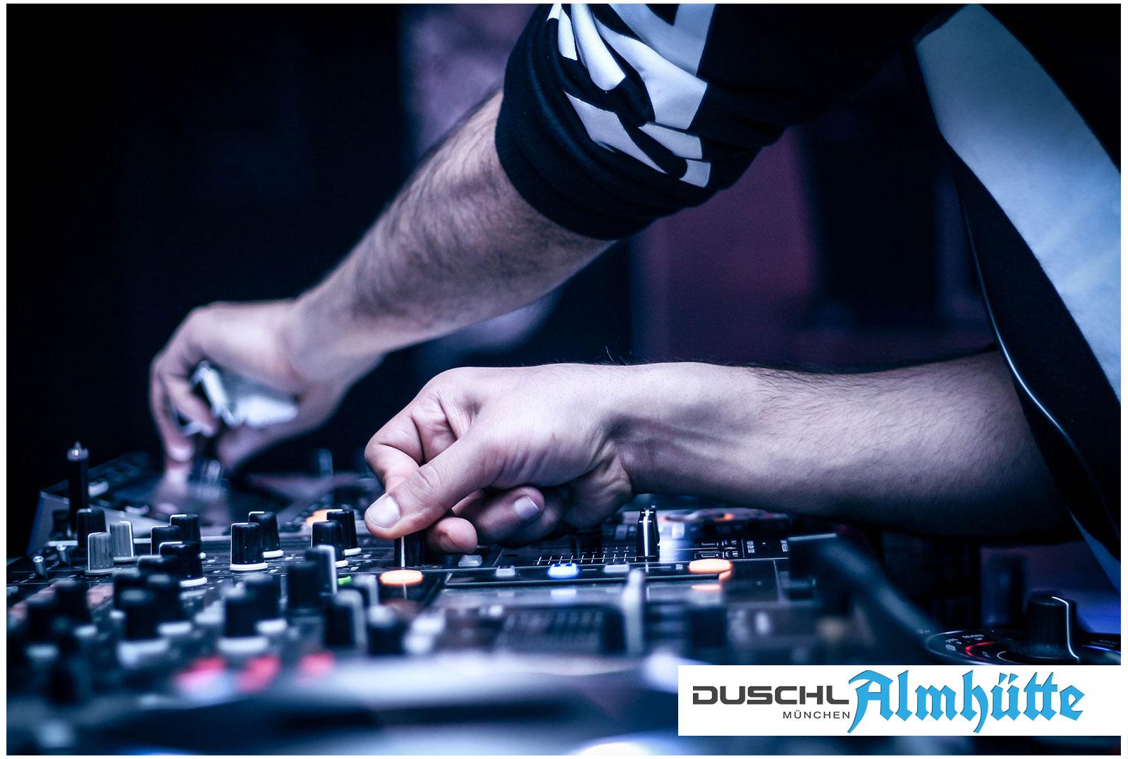 Mobile Almhütte - Alm DJ und Showbühne